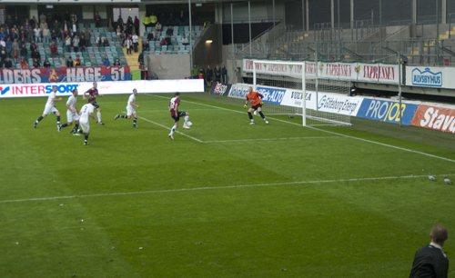 Nico avgör mot Rosengård. Foto: Okänd